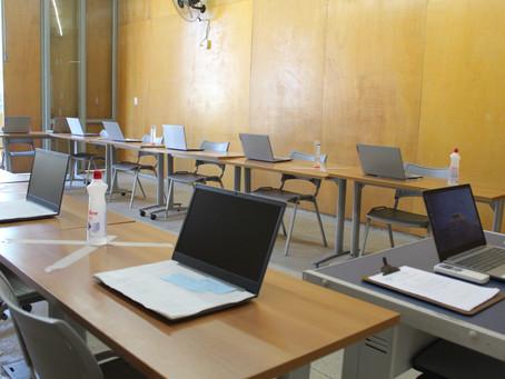 Estudantes da SerCidadão recebem apoio tecnológico na sede para acesso às aulas remotas