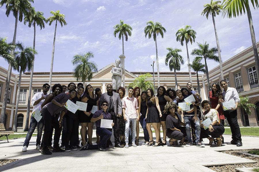 Grupo de formandos do polo Centro - Arquivo Nacional