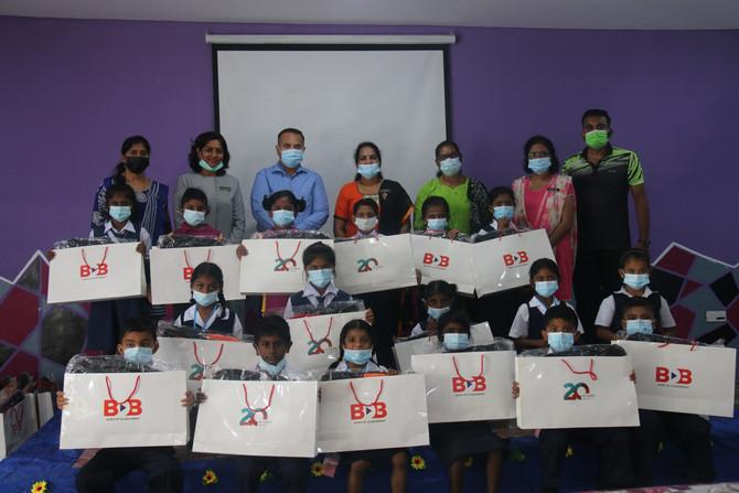 KUMPULAN BDB HULUR BANTUAN UNTUK PROGRAM CSR BACK TO SCHOOL KEPADA PELAJAR SJK(T) MAHAJOTHI