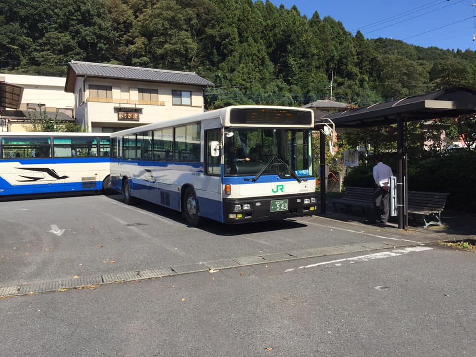 横川から軽井沢は今は電車がないので、バス移動です。