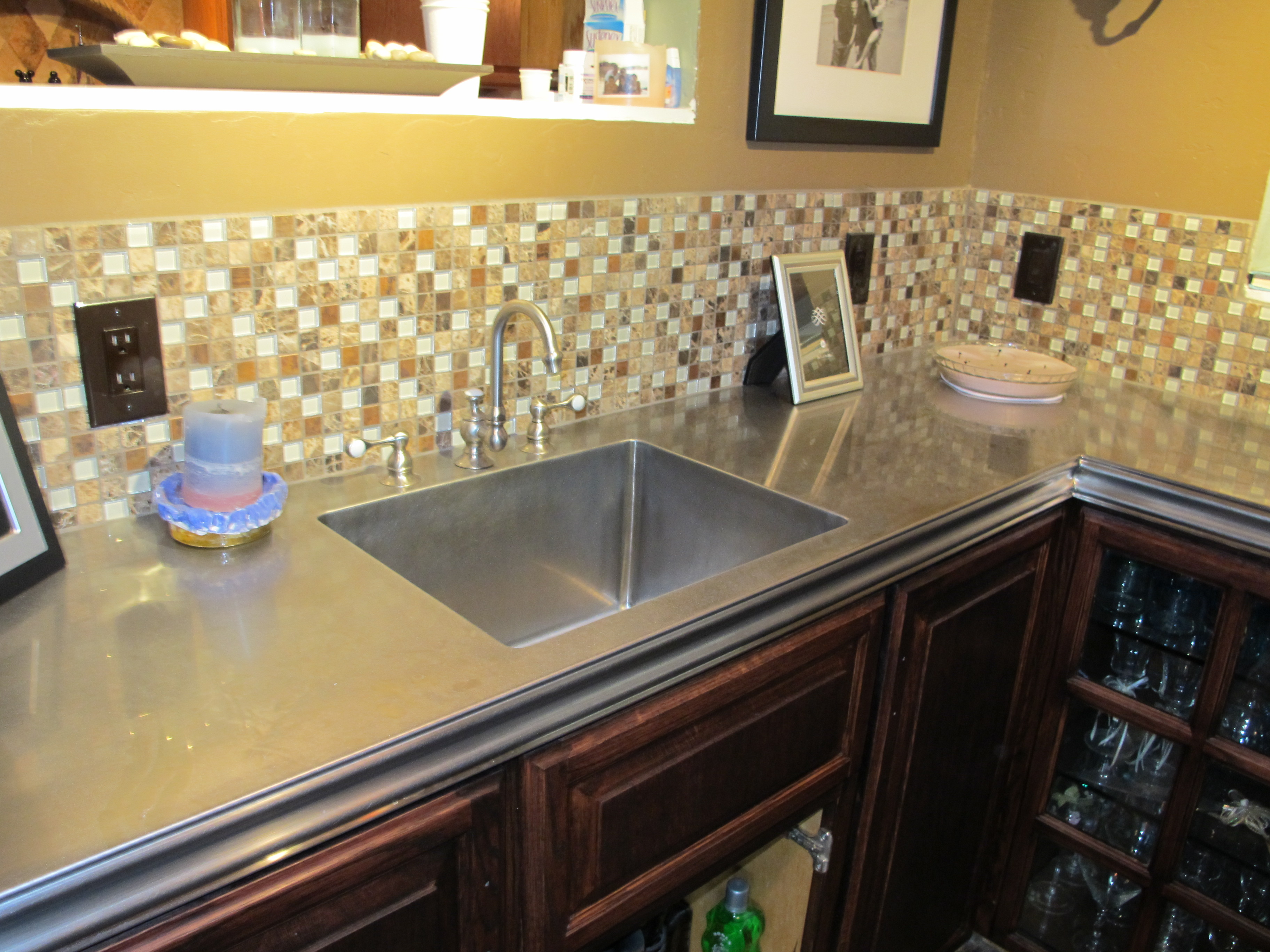 Heritage edge with integrated sink
