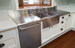 CUSTOM COUNTERTOP WITH INTEGRAL DRAINBOARD
