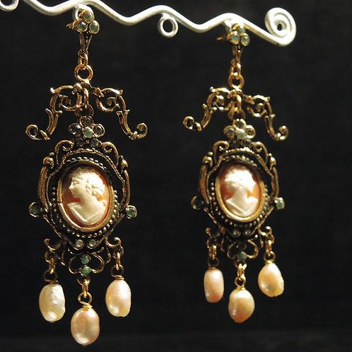 Alcozer & J.-Pendenti in Bronzo Dorato Cameo Di Conchiglia e Perle Naturali
