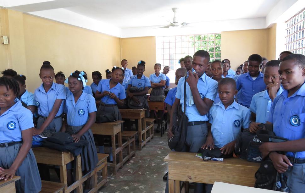 Elèves du secondaire à Port-au-Prince