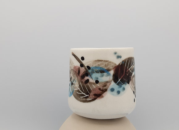 Small Pinch Cups Without Handles - Feather Motif
