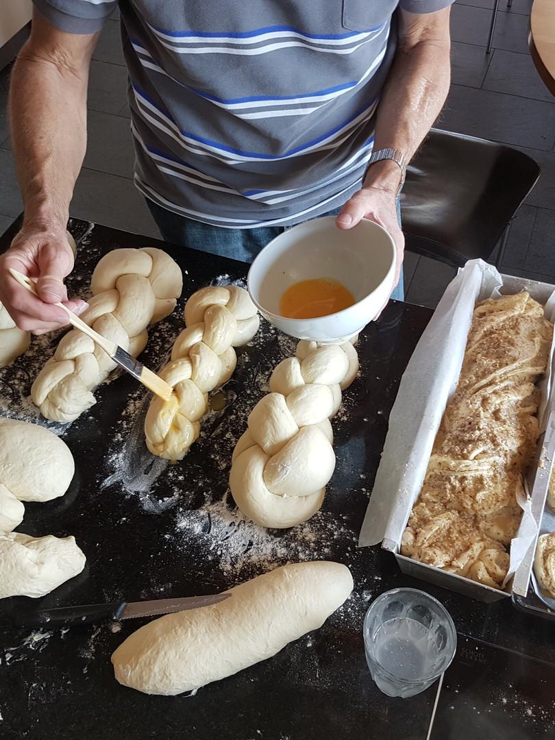 Brot und Süssgebäck backen