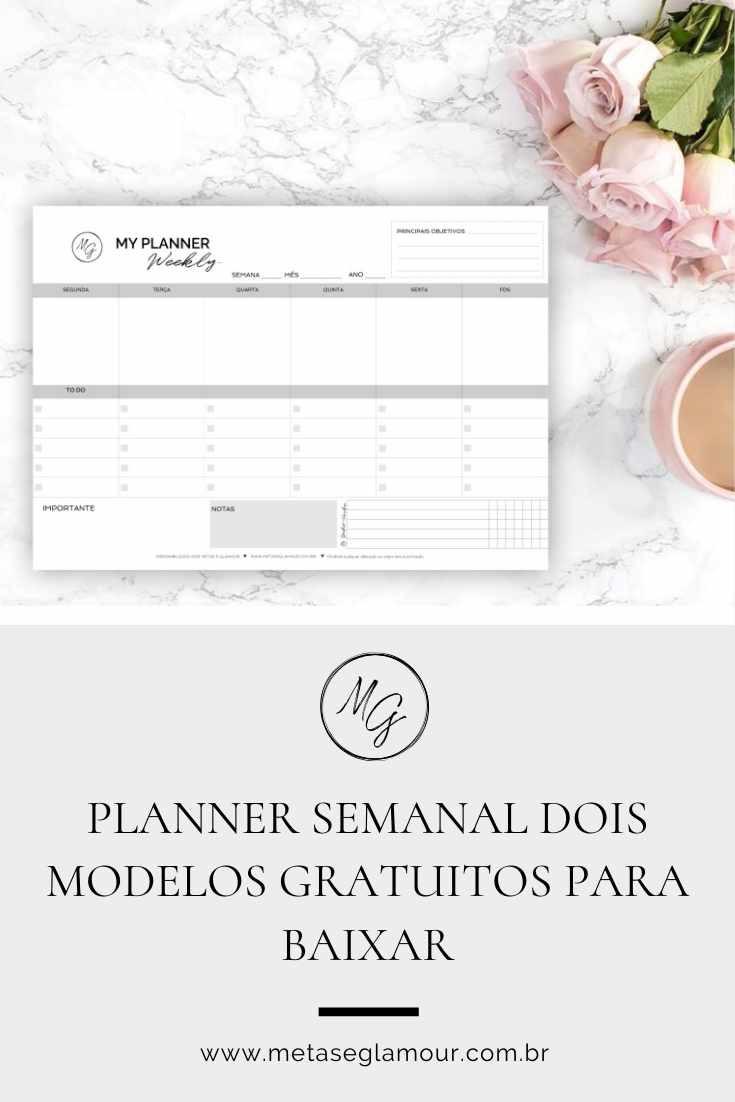Planner semanal na mesa de trabalho