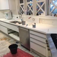 colocacao de bancada de cozinha em silestone branco