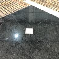 piso elevador com detalhe em travertino navona e preto sao gabriel
