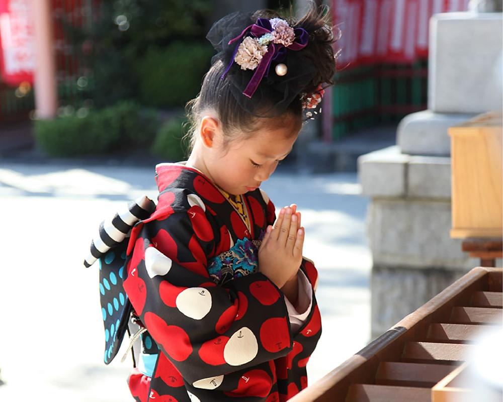 八劔神社でお参り