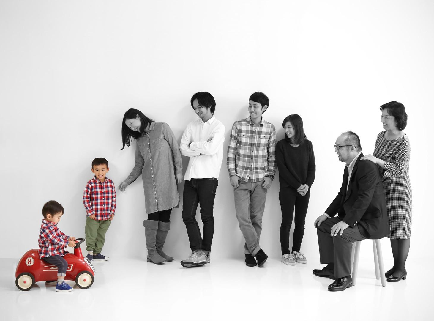 Image_Family04.jpg