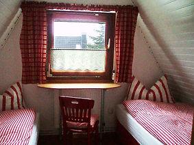 erle kleines Schlafzimmer neu2010.jpg