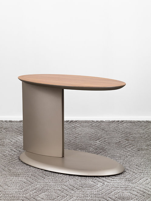Mesa lateral Dissal   Designer Ronald Sasson