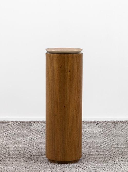 Mesa lateral Fenda Alta | Designer Eduardo Bortolai