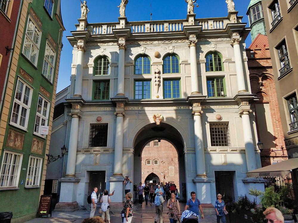 Gdansk Golden Gate Long Market