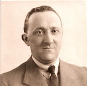 1910 Berel Weinstock.jpg