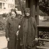 1920s Scheindel Beer & (daughter) Mirtsche in Luhazovic.jpg