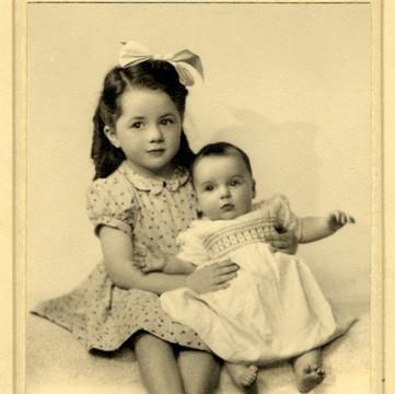 1946 Ruthie & Judy.jpg