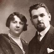1930's Gittel & Pinchas von Mosel.jpg