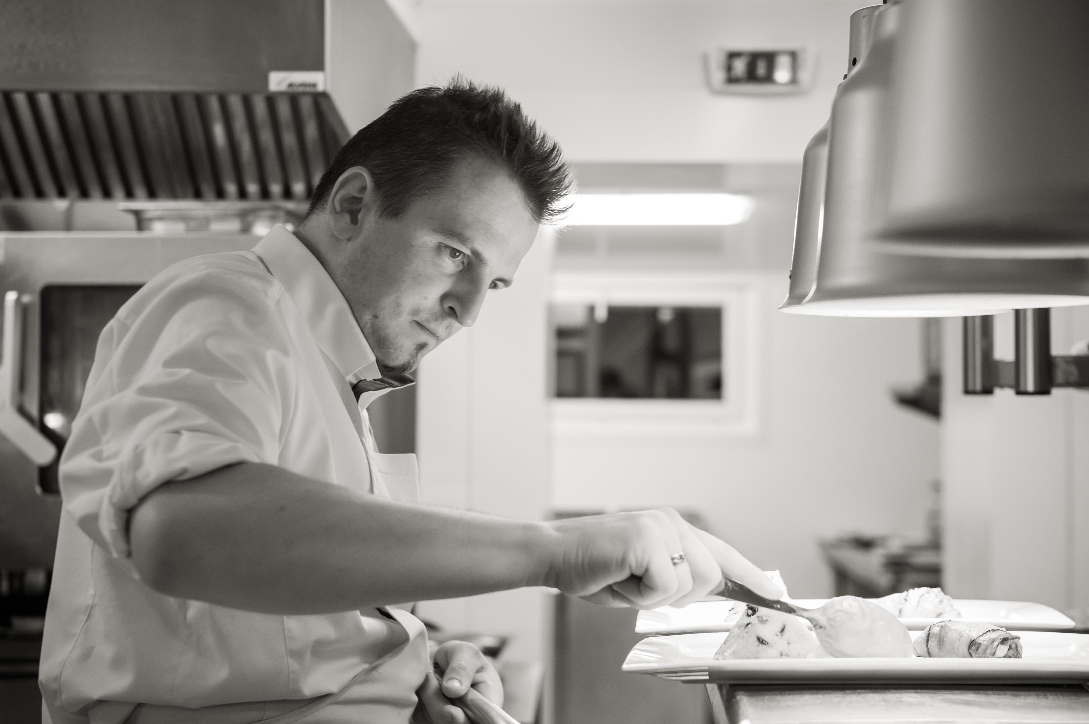 C&F Cyril Glémot-Chef en cuisine