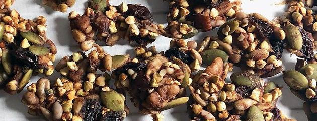 Raw Buckwheat Granola - Cinnamon-Date Crunch
