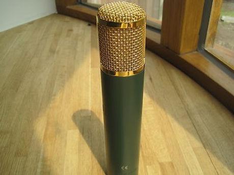 akg-c12-vr-valve-microphone-power_360_97