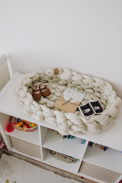 Sleepy baby nest - 100% Mammoth acrylic