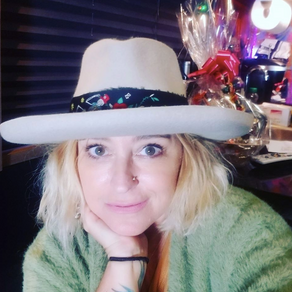Kristin Schloesser: Tour Coordinator