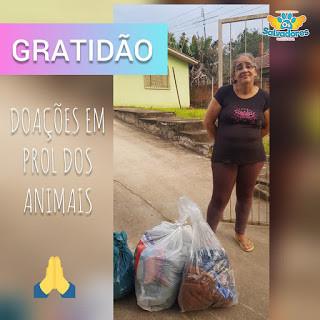 ONG Os Salvadores recebem doações de roupas para a realização de brechós