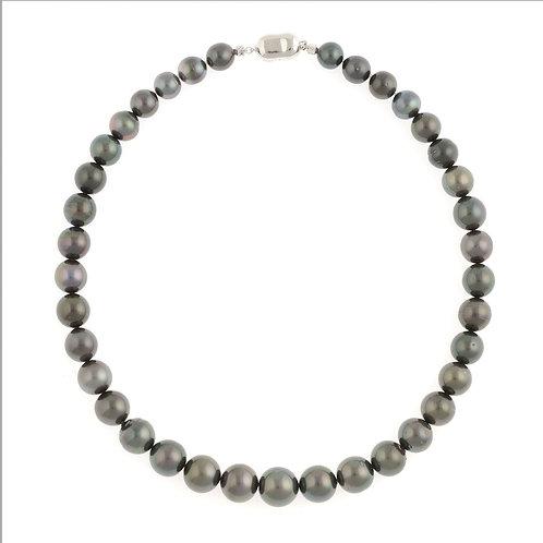 タヒチ黒真珠ネックレス