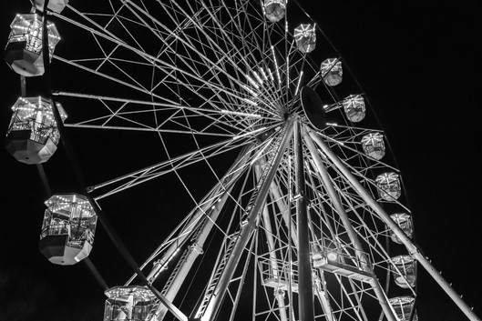 Rosemarie Edwards - The wheel at night (HONOUR)
