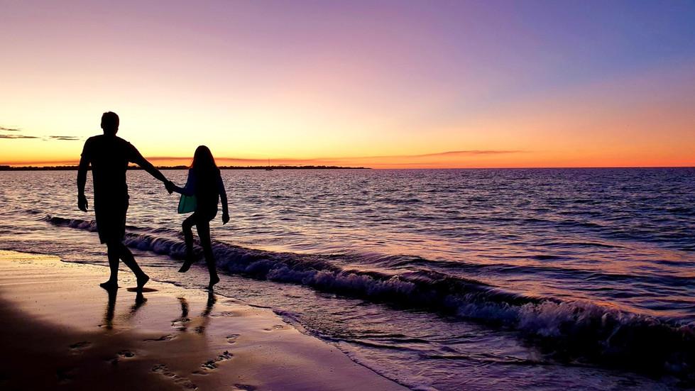 Janelle Hultgren-Sunset Stroll HONOUR