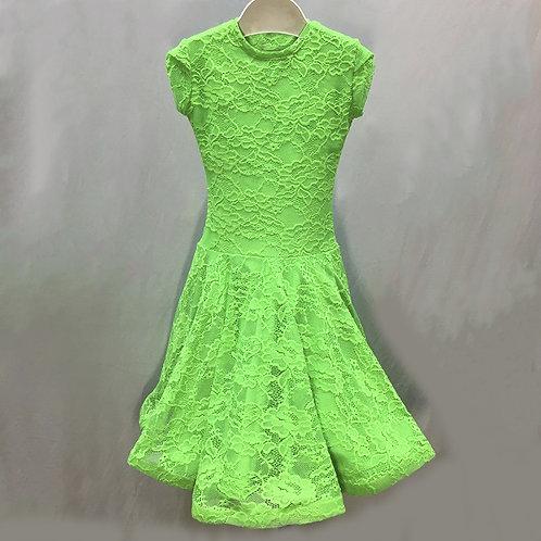 Платье рейтинговое из гипюра