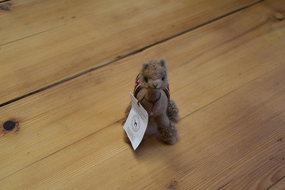Alpaka Plüschtier klein braun ohne Haare