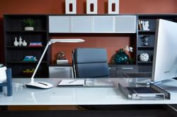ottlite-slide-lamp-office2