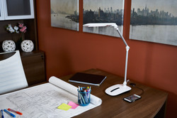 ottlite-stretch-crane-lamp-office1