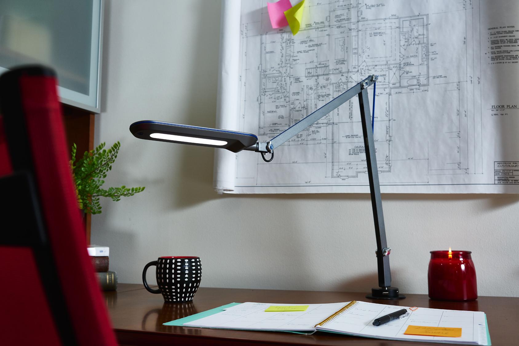 ottlite-reach-crane-lamp-grommet4