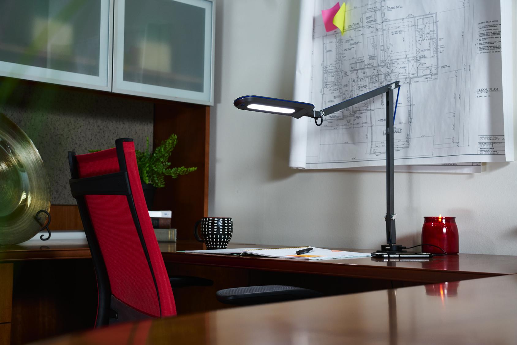 ottlite-reach-crane-lamp-grommet2