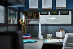 ottlite-twist-desk-lamp-cubicle