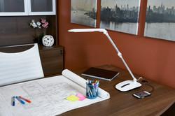 ottlite-stretch-crane-lamp-extended