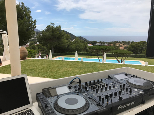 Winston Black DJ Ibiza.jpg