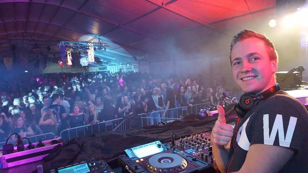 Winston Black DJ publiek Pioneer.jpg