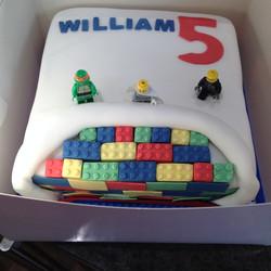 Lego minifigures cake