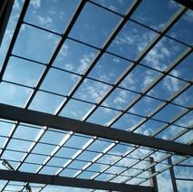 Estrutura para cobertura em vidro