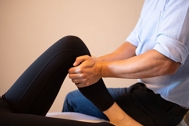 Knee injuries knee pain physio penrith.j
