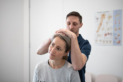 Joint neck pian and headaches physio Pen