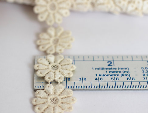 Floral Lace Trim 22mm Wide Made From 100% Organic Cotton
