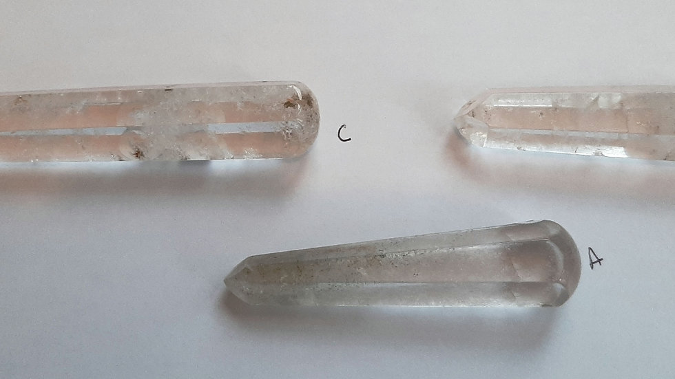 Clear quartz wand, round ended approx 6 to 7cm