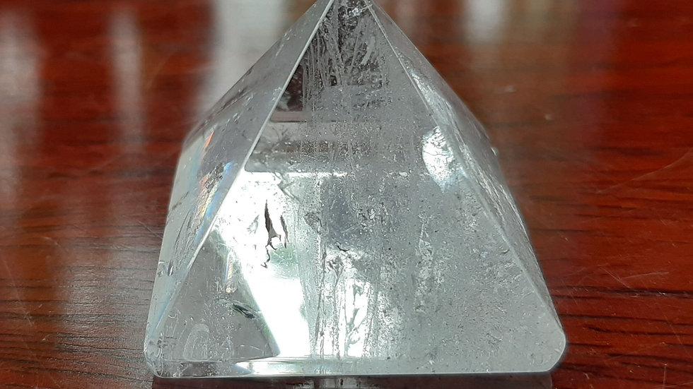 Quartz pyramid 3.5 cm