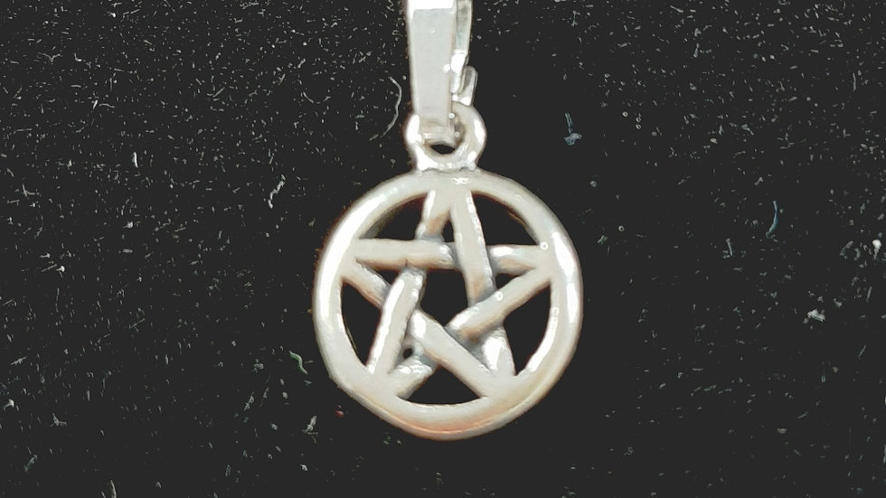 Sterling Silver small pentacle pendant 1.5cm (no chain)